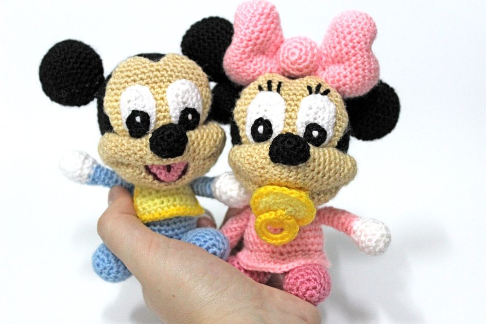 Freebie Friday: Marvin Martian Crochet Pattern • One's Creative Mind | 667x1000