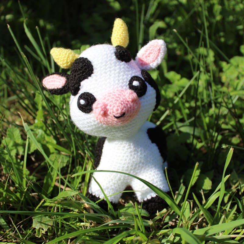 Cow Crochet Amigurumi Pattern | 800x800