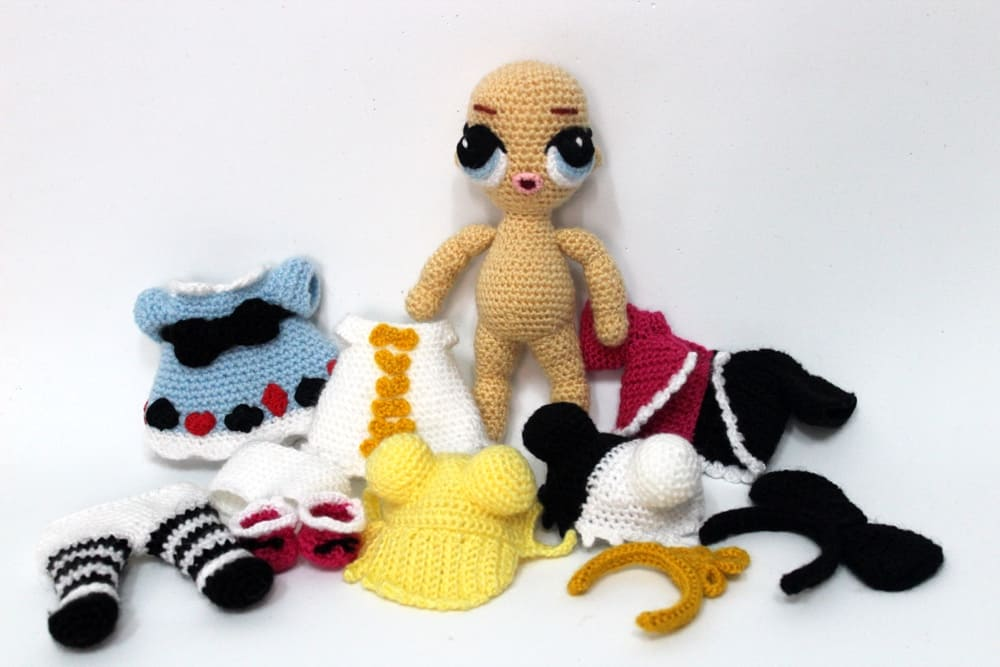 Amazon.com: Alice in Wonderland Amigurumi Crochet Pattern Set ... | 667x1000