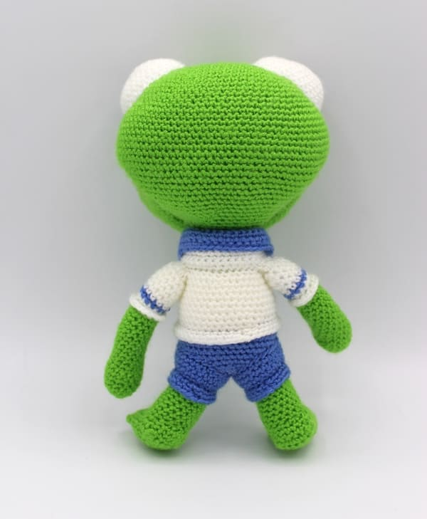 Free Crochet Pattern for Kermit the Frog!! | 729x600